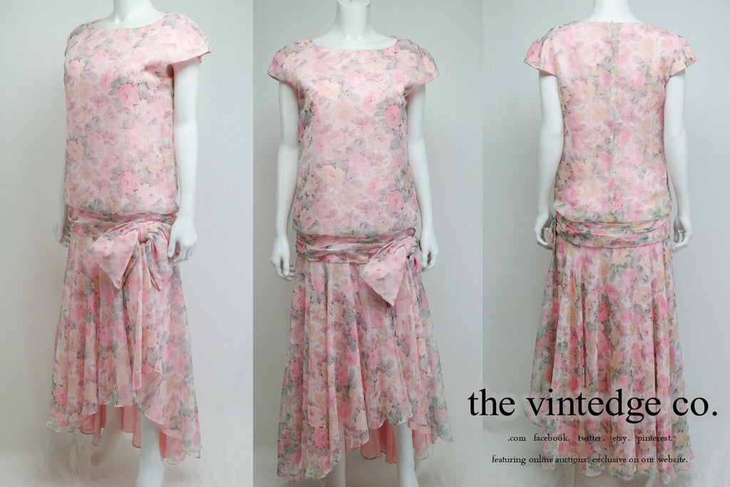 SOLD - Retro | 20s 30s Pink Floral Flapper Dress M