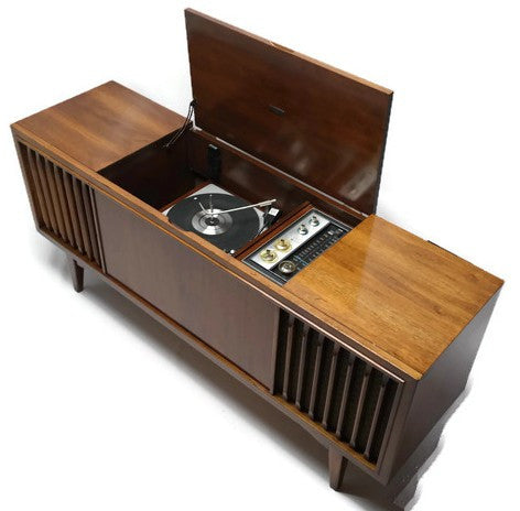 Mid Century Modern Zenith Vintage Stereo Console , Record Player Changer ,  AM/FM Tuner , Bluetooth