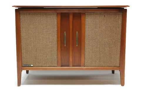 **SOLD OUT** RCA VICTOR Mid Century Stereo Console Record Player Changer AM FM Bluetooth
