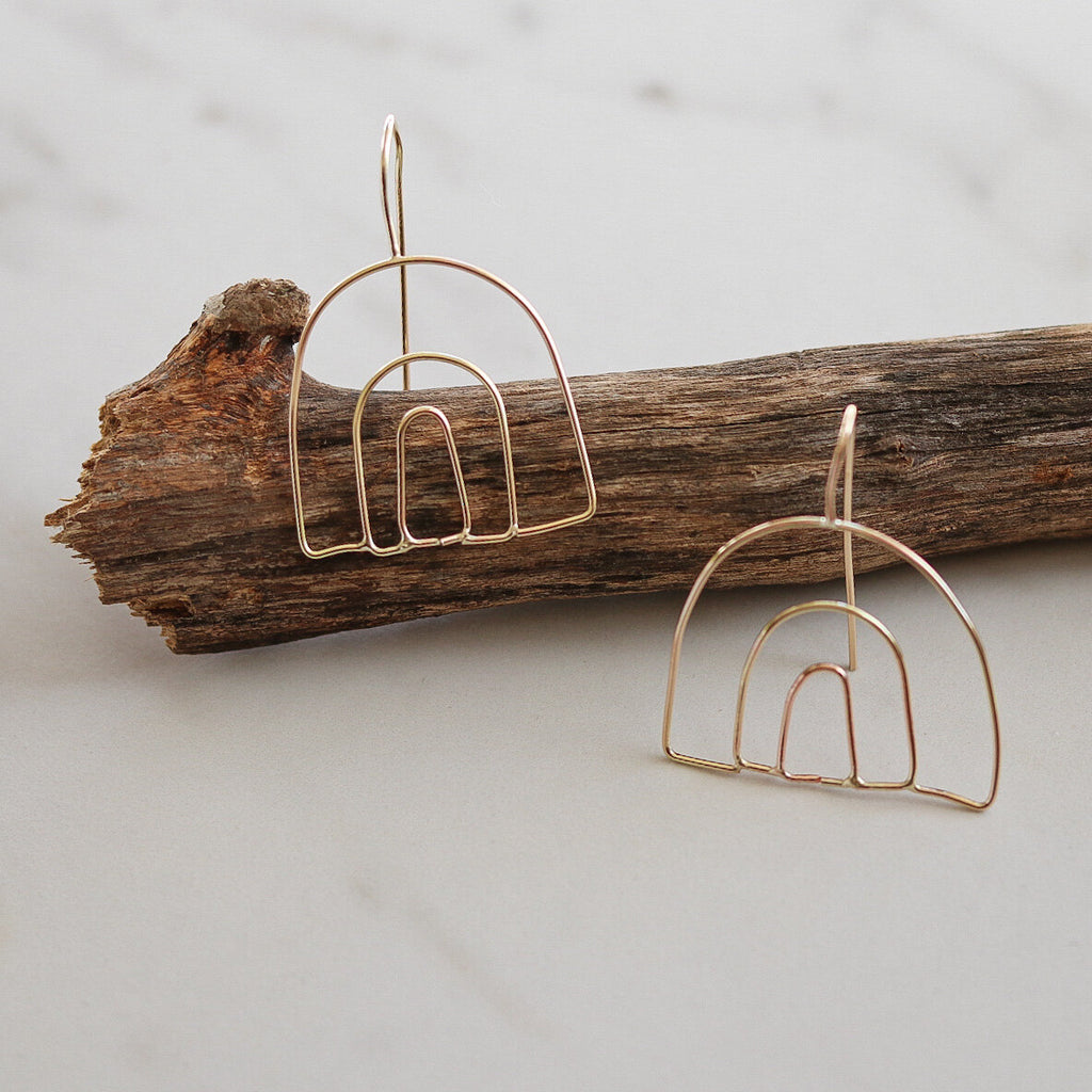 Emily's | MULTI ARCH EARRING | gold