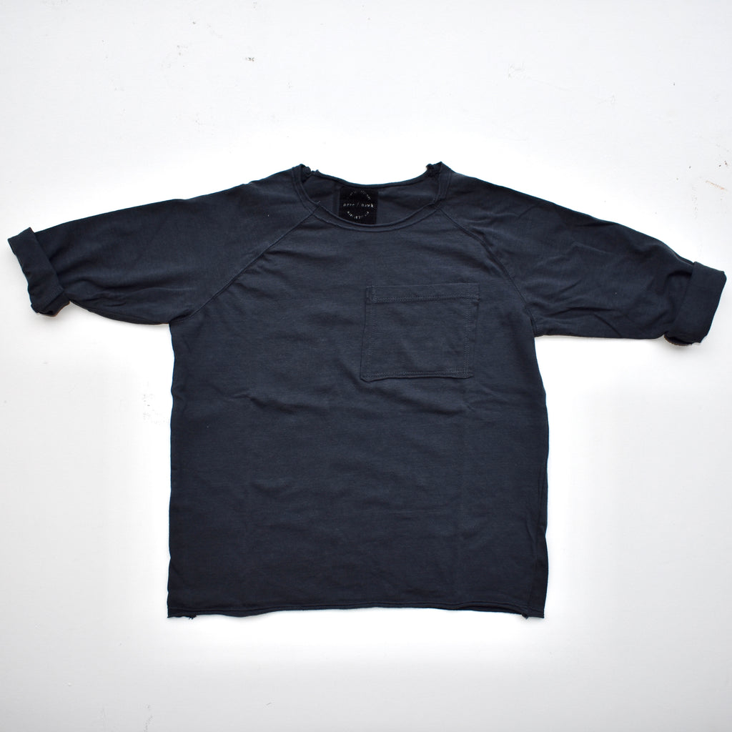 raw hem ls pocket tee | washed black