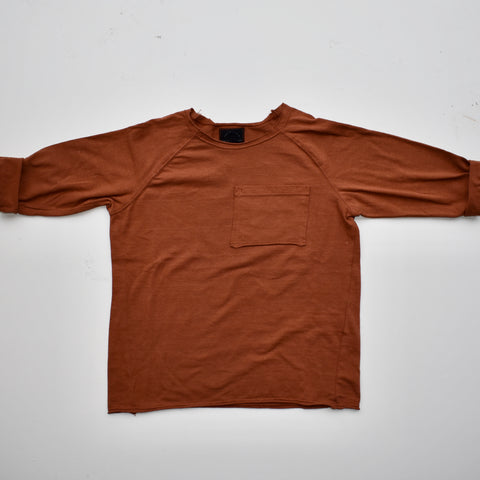 raw hem ls pocket tee | clay