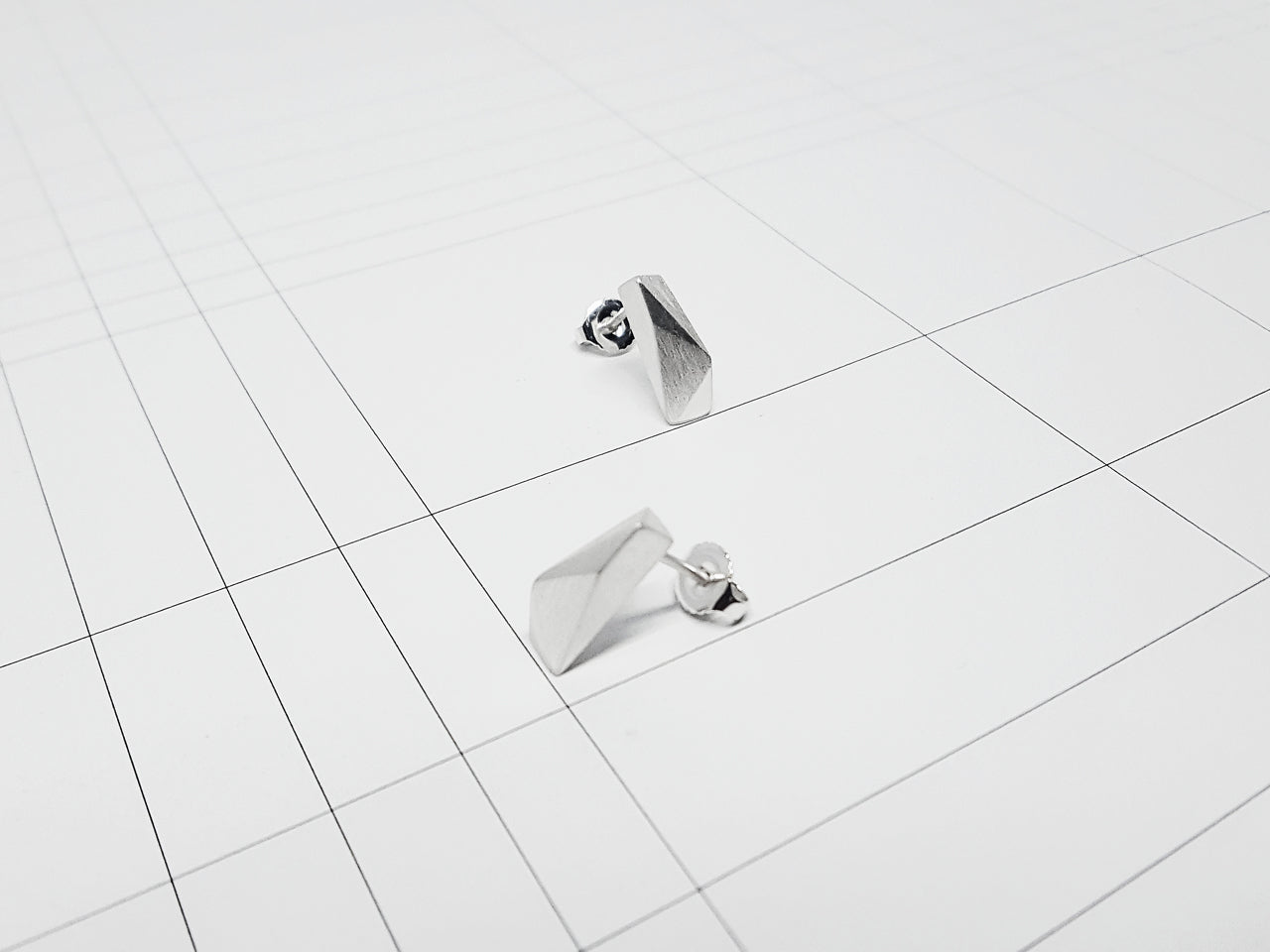 FACET EARRINGS 5.1.SILVER