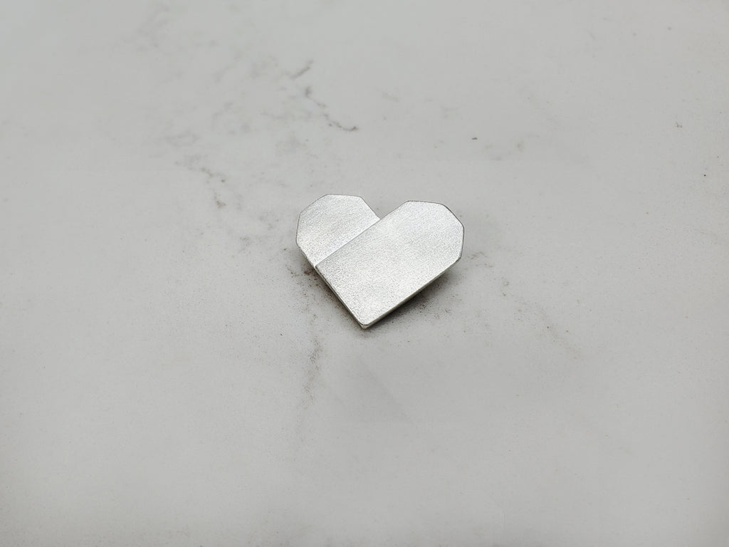 SILVER PAPER HEART NECKLACE