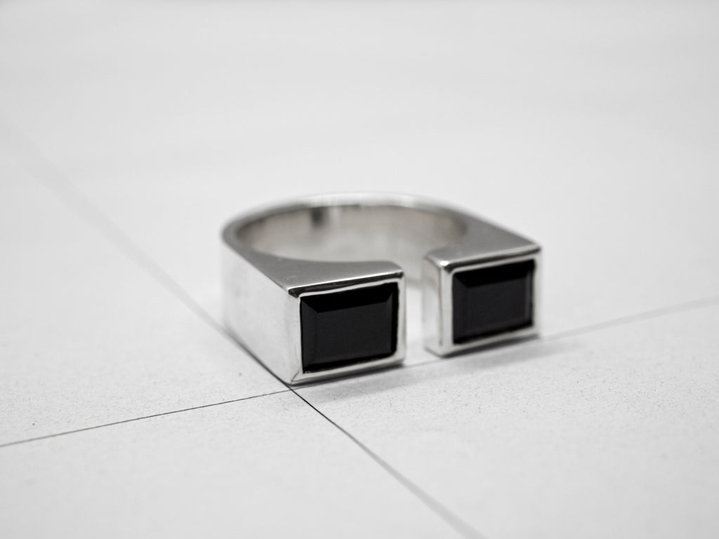 RIFT RING 2.1.SILVER w/ SPINELS
