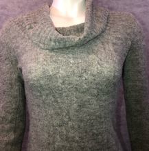 Load image into Gallery viewer, Mandee Versatile Grey Sweater Top- Size Small (TES CLOSET)