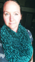 Load image into Gallery viewer, Velvet Infinity Scarf