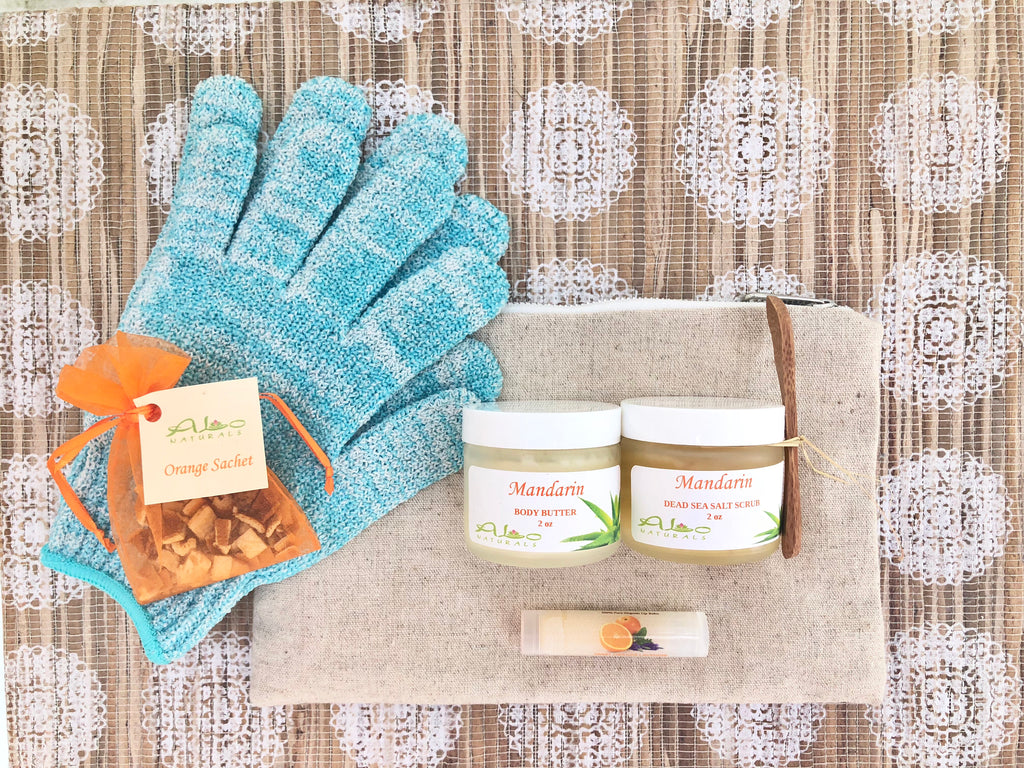 This fresh citrus scent helps alleviate symptoms of depression, anxiety, anger, and promotes relaxation.  It includes a 2oz Body Butter, 2oz Dead Sea Salt Scrub, a Lip Balm, a Sachet, a pair of Shower Gloves, and a high quality canvas bag with 3 inside pockets.