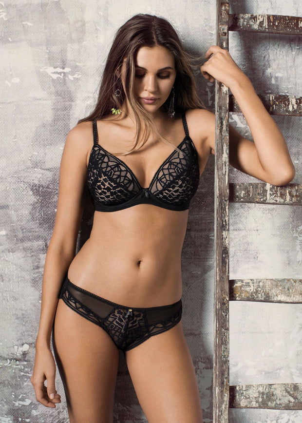 Soiree Lace Padded Plunge Bra In Black