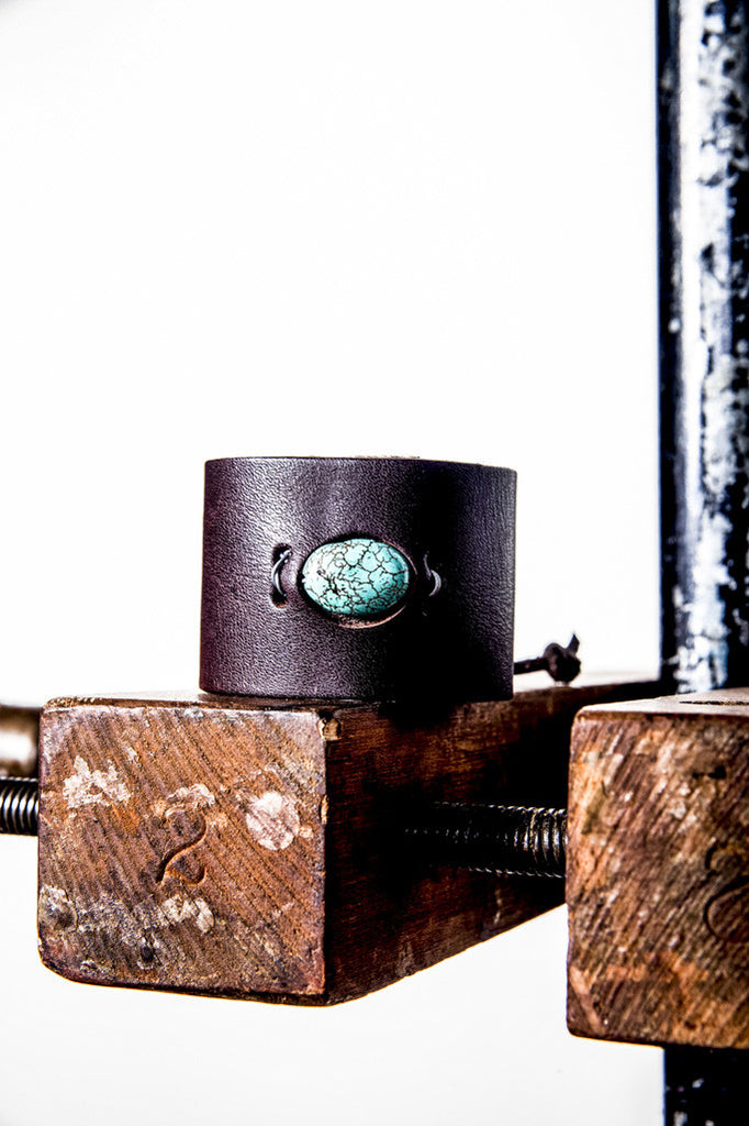 C01 TURQUOISE LEATHER CUFF