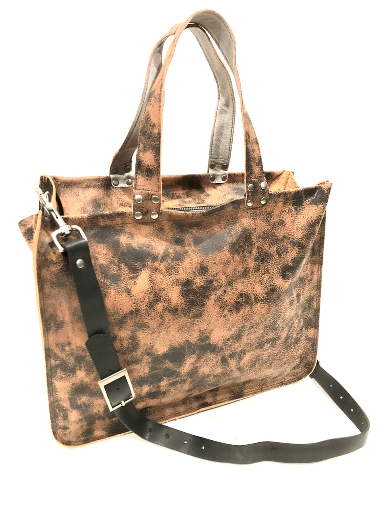 b15 Distressed w/shoulder strap