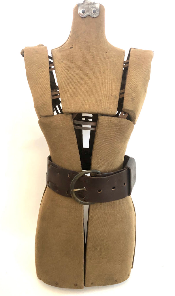 Wide D buckle belt