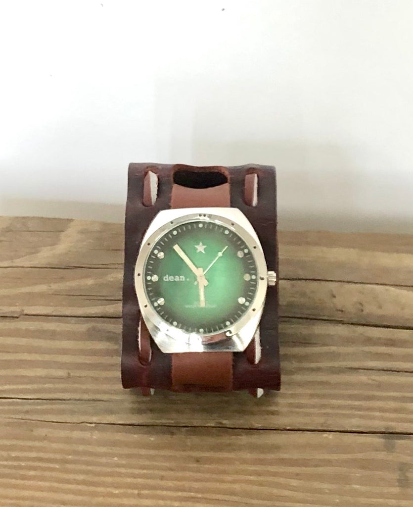 MW03 Whipstitched watch