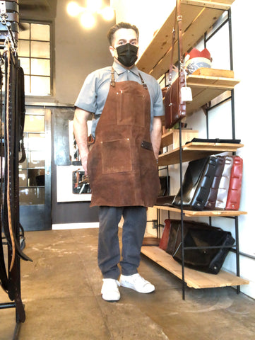 Apron chap suede/leather