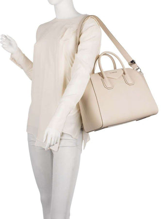 Antigona Medium Light Nude Grained Leather Handbag wearing