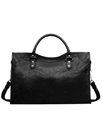 Classic City Shoulder Bag in Black