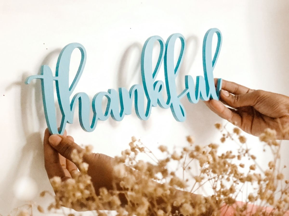 Wooden Cutout - Thankful (Custom Colour)