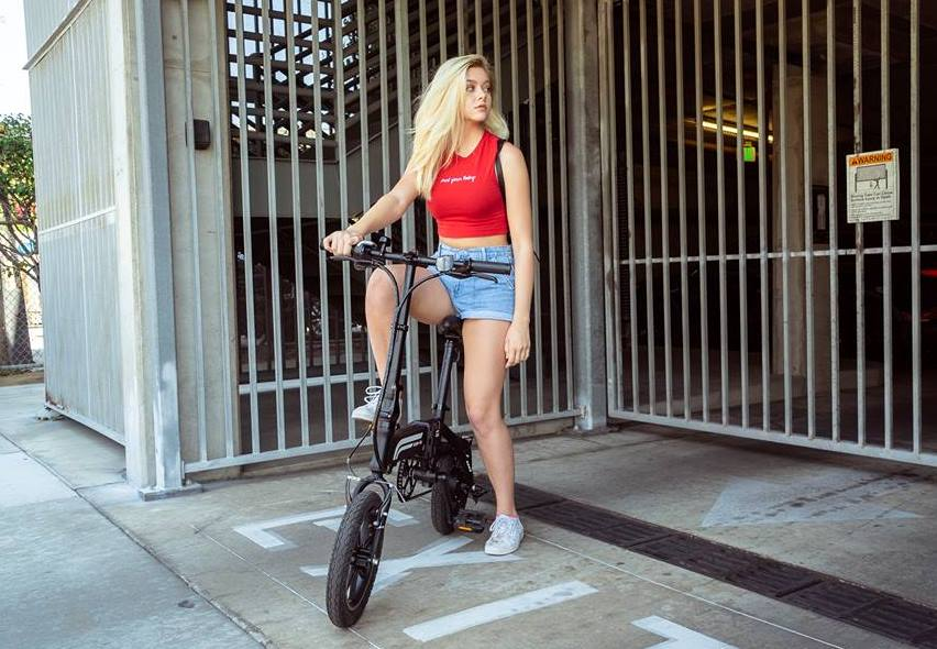 Swagtron Swagcycle EB-5 – The Stunning Folding E-Bike With Futuristic Features