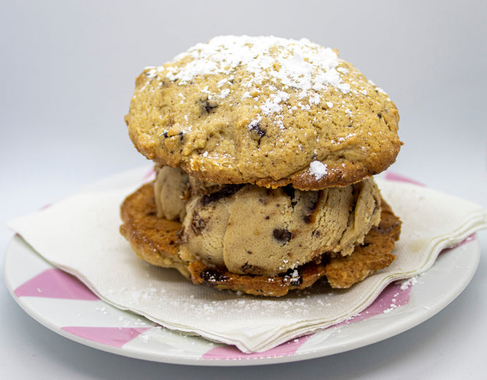 Fluffy Muffin Top Cookie Dough Sandwhich