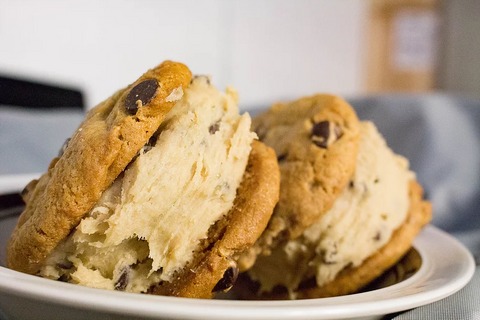 How to make a Cookie Dough Sandwich