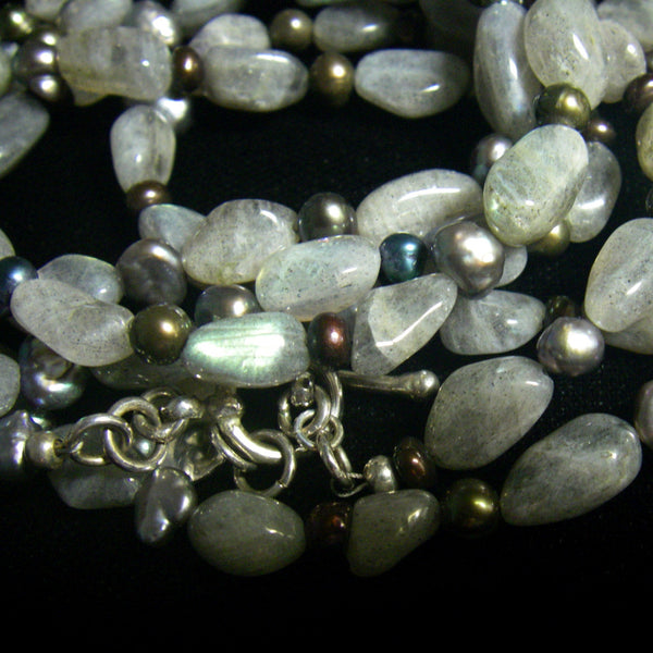 Labradorite & Black Pearl Silver Necklace - Leila Haikonen Jewellery - 6