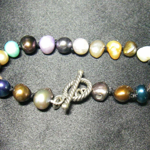 Luxurious Colored Pearl Bracelet , Silver Toggle, Knotted Silk - Leila Haikonen Jewellery