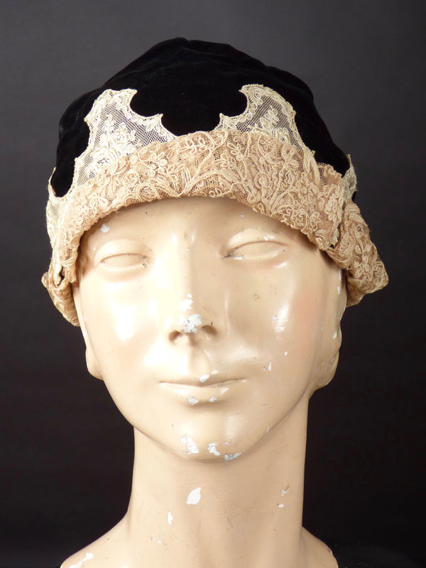 1920s Black Velvet & Lace Soft Cloche