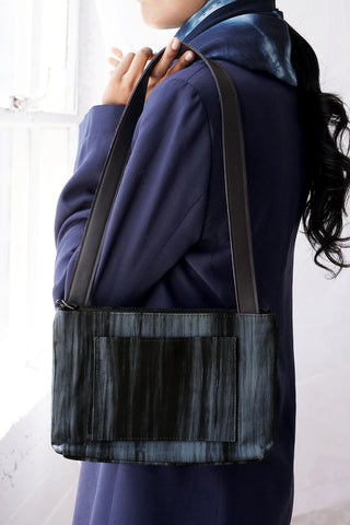 COMPACT SILK SHOULDER BAG | Charcoal