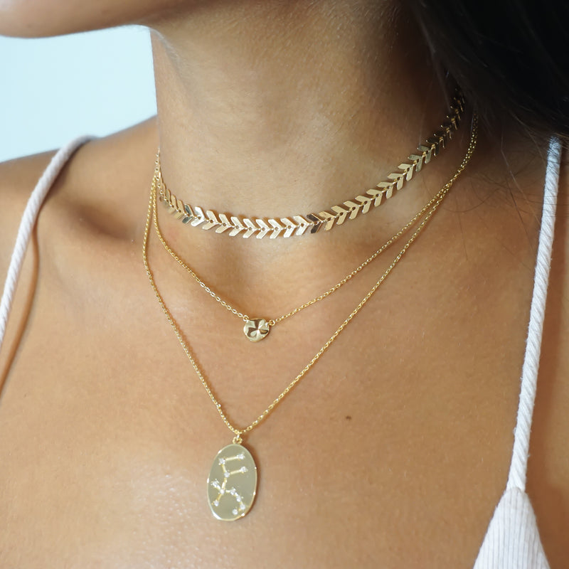 Wavy Disk Necklace