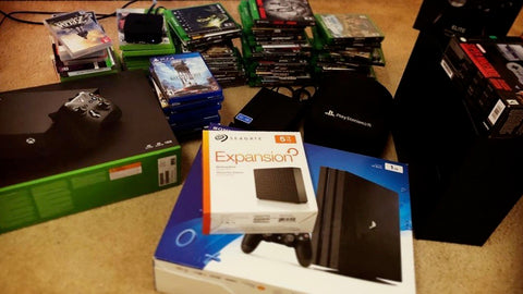HIDEit Customer Carlos + his game consoles and gaming equipment