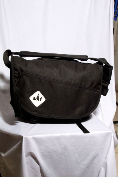 "MALE SLINGBAG""LYON #10""BLACK"