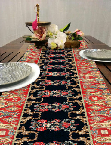 Efflorescent Wilderness Dining Table Runner