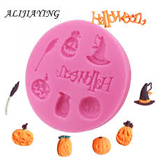 Silicone Mould: 7 motifs - Spooky Halloween title , 4 Pumpkins, Witch's Hat, Broom