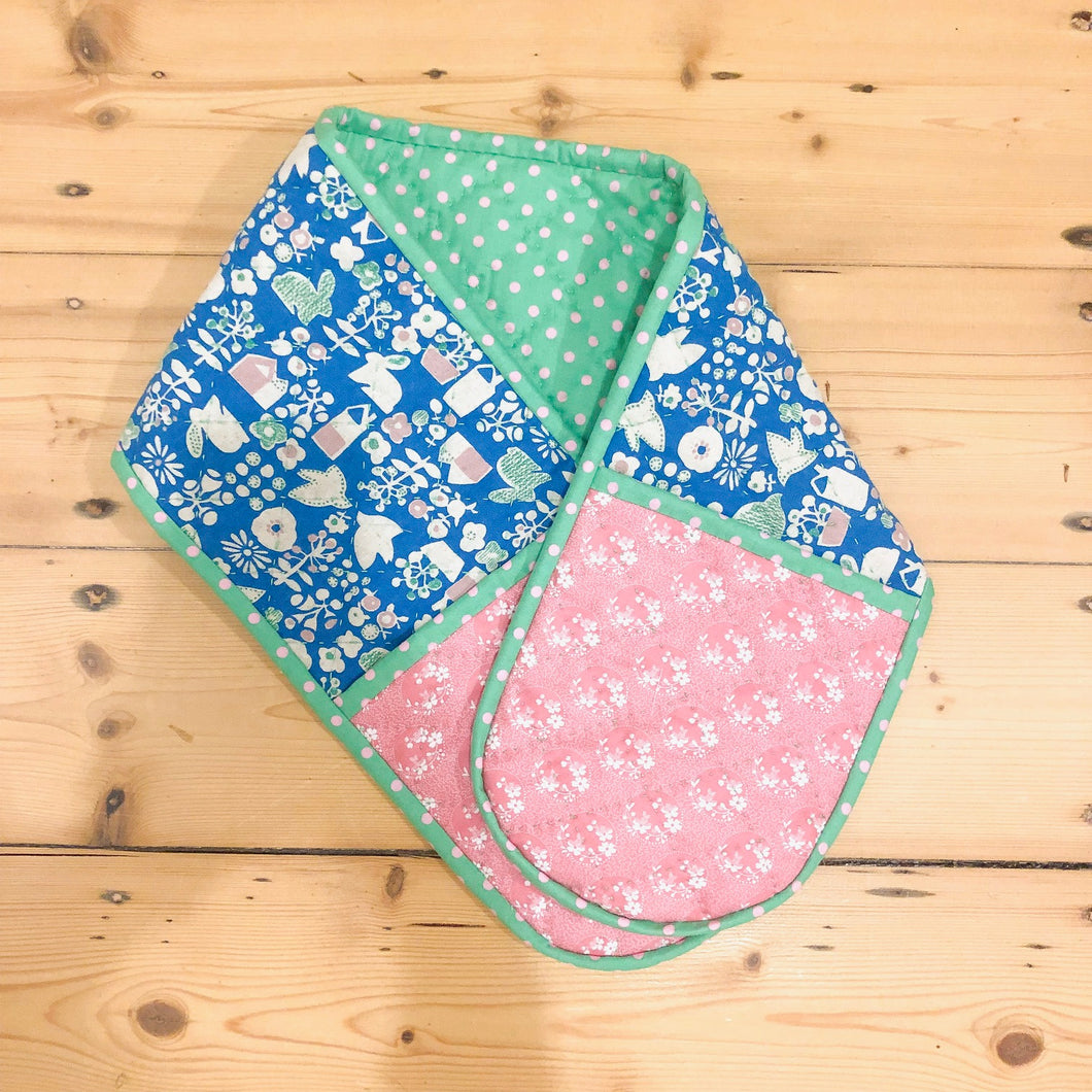 Queen of Fabric - Oven Mitts Pattern
