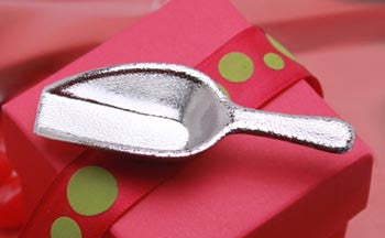 Mini Silver Plated Plastic Scoop. Candy Scoop