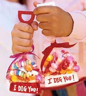 I Dig You. Valentines day DIY gift idea.  Colorful shovels with candy.