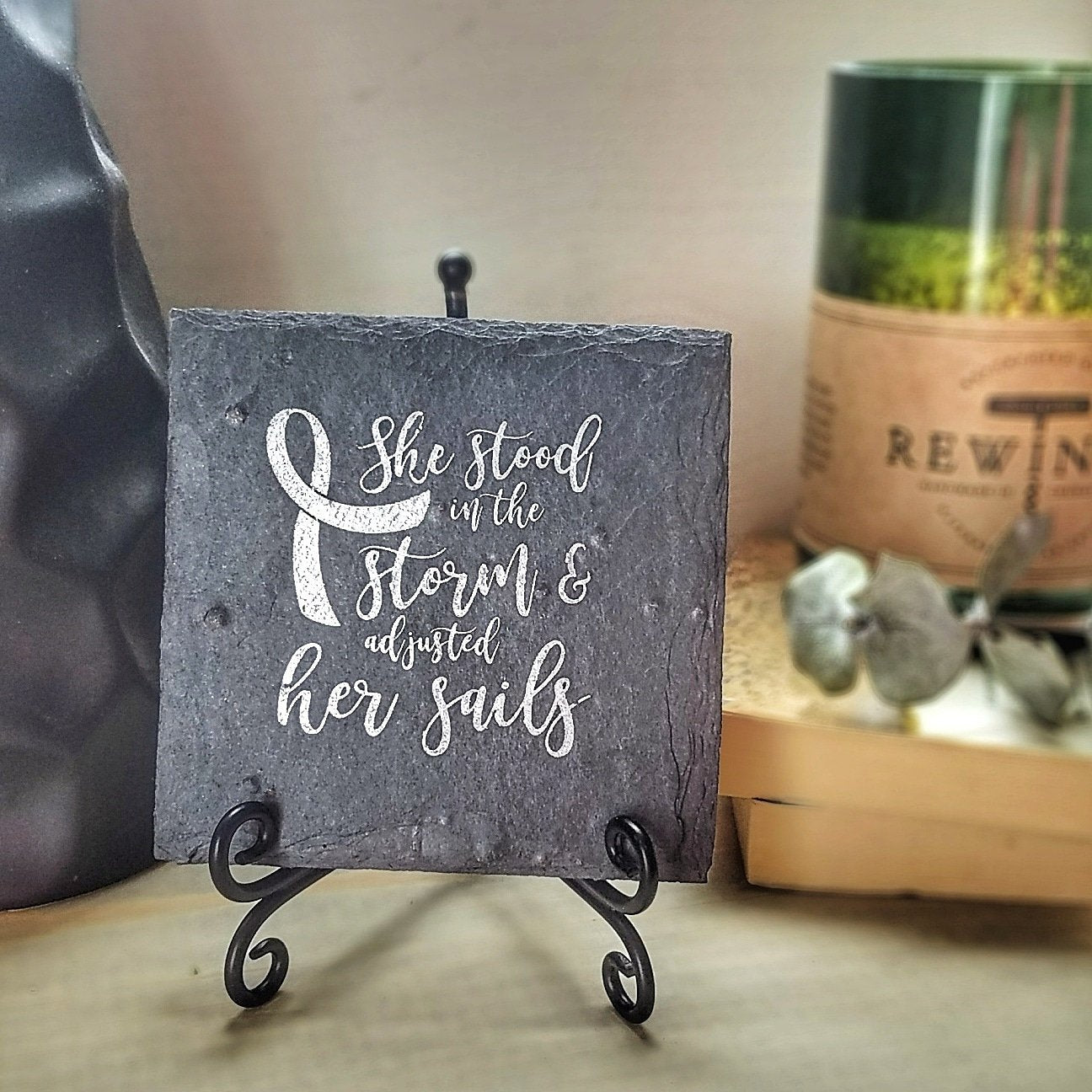 Foldable Metal Plaque Holder