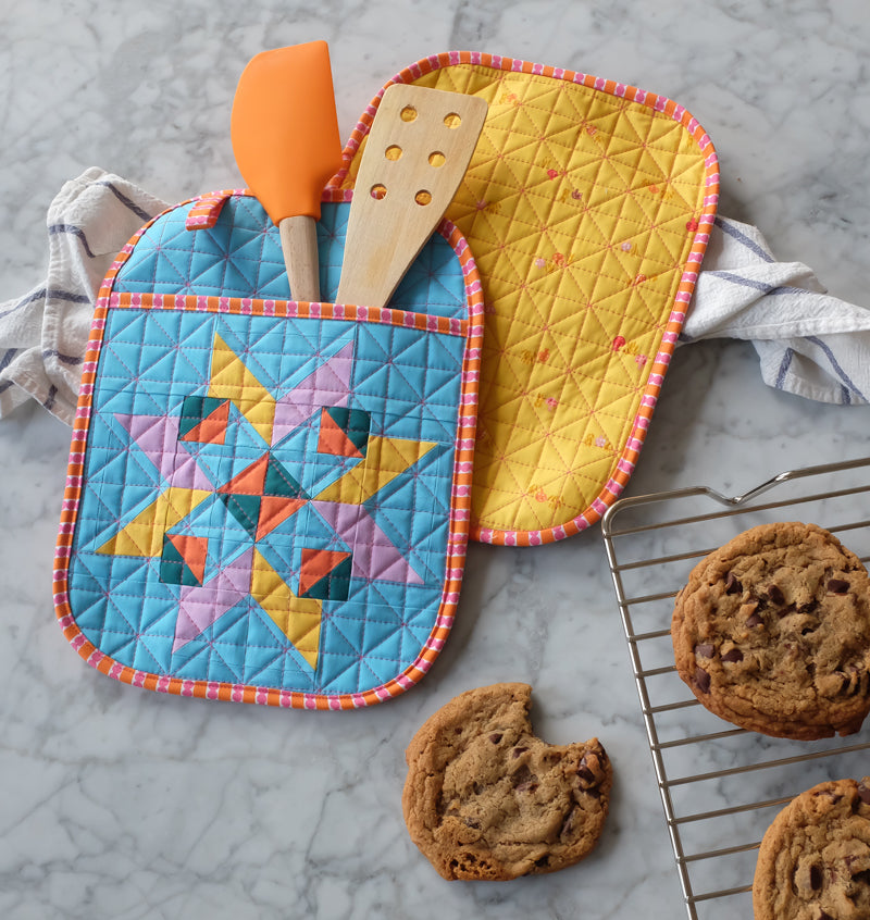 Star Bright Oven Gloves Pot Holders Quilt Pattern by The Weekend Quilter