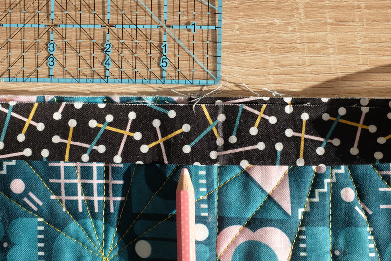 The Weekend Quilter_How To Make Rounded Quilt Corners Tutorial Step 4e