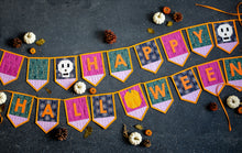 Load image into Gallery viewer, Quilted Halloween Bunting Pattern