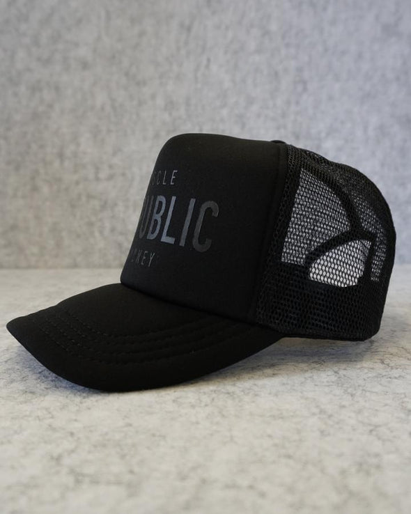 MUSCLE REPUBLIC TRUCKER HAT- BLACK (3644610084964)