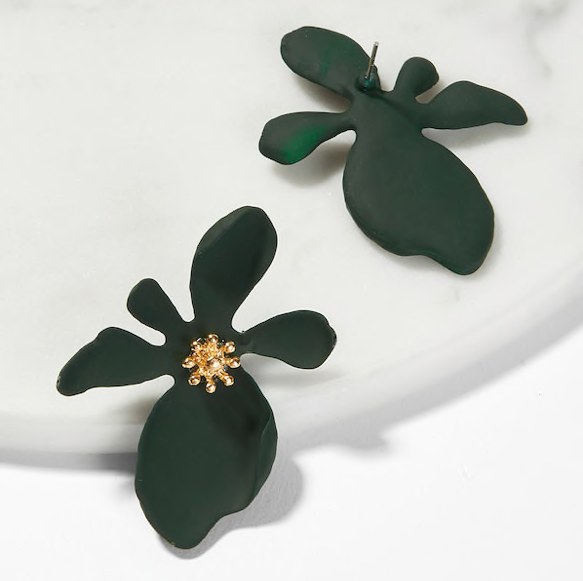 Daizy Dark Flower Shaped Stud - Oriana Lamarca LLC