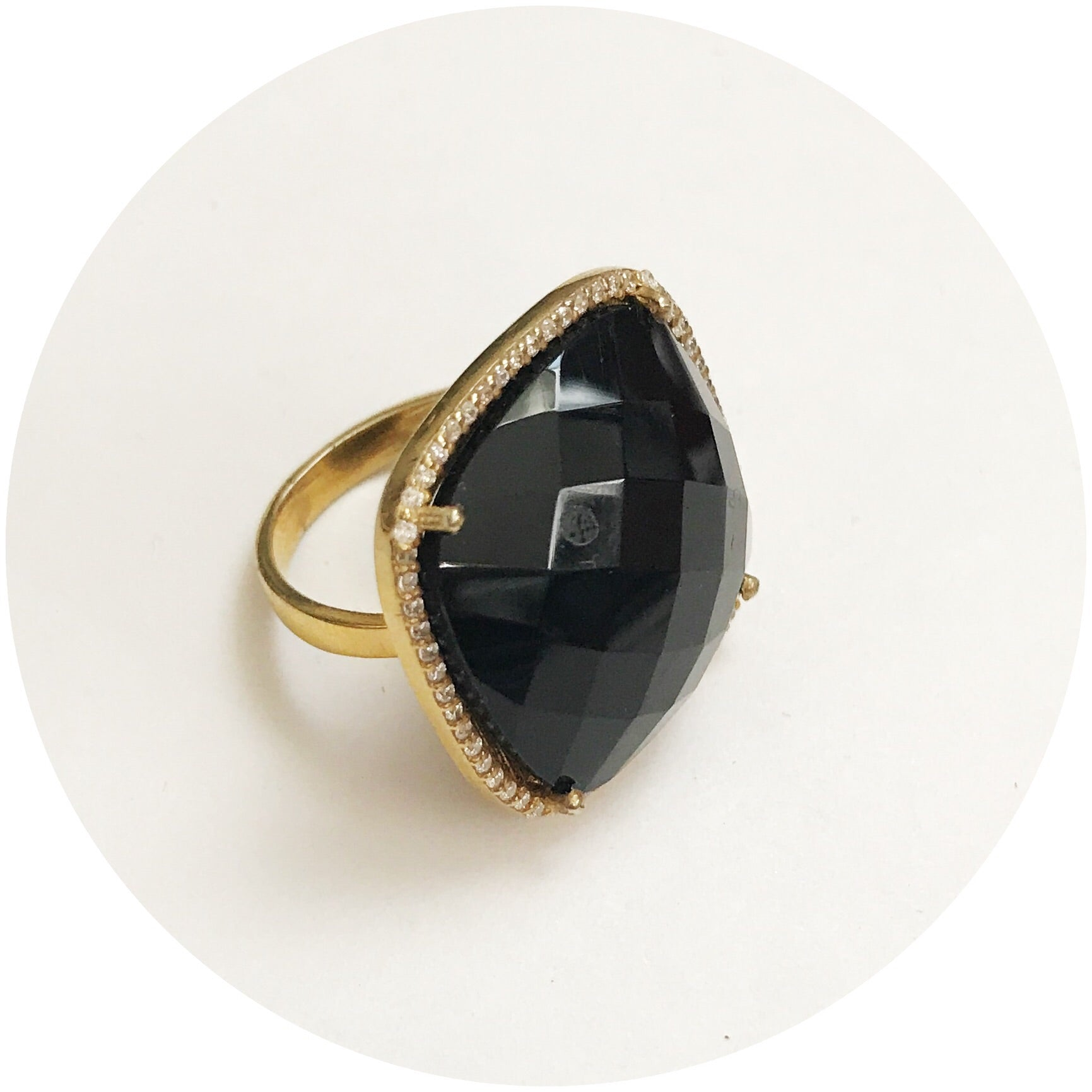Pavè Black Quartz Rim Square Ring