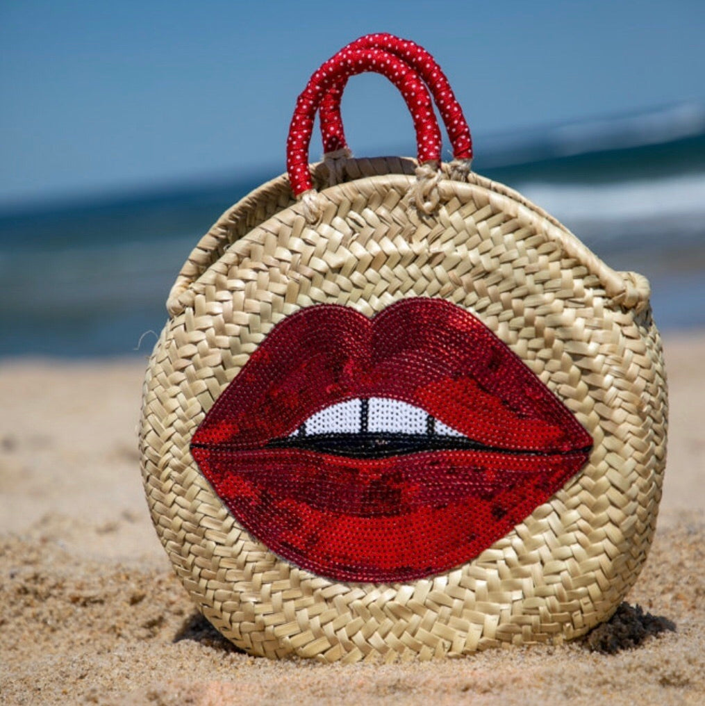 Red Lips Round Straw Bag