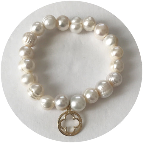 EJ X OL Freshwater Pearls with Pendant