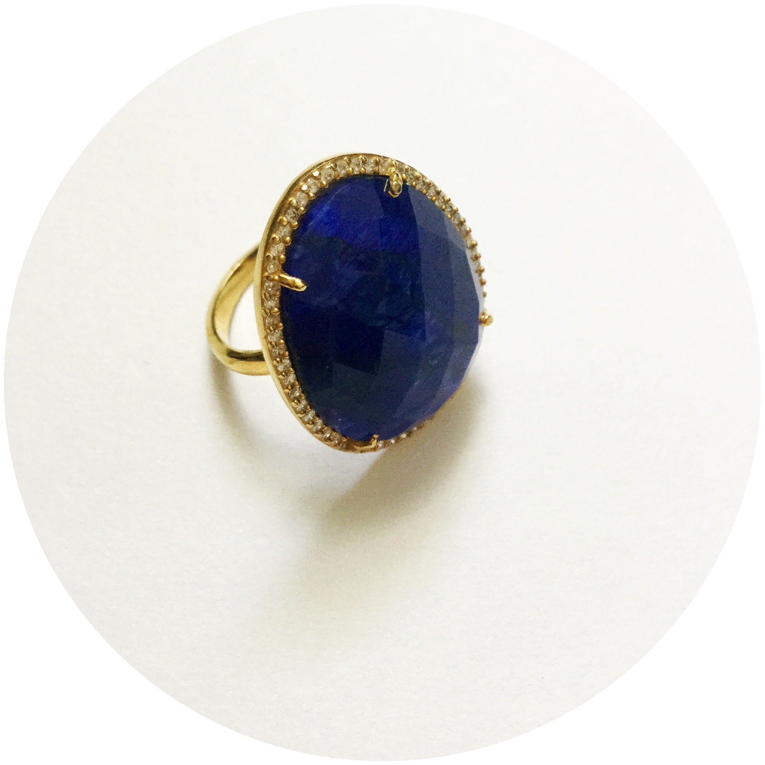 Pavè Lapis Oval Ring