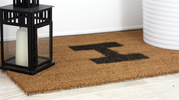 DIY+Monogram+Doormat