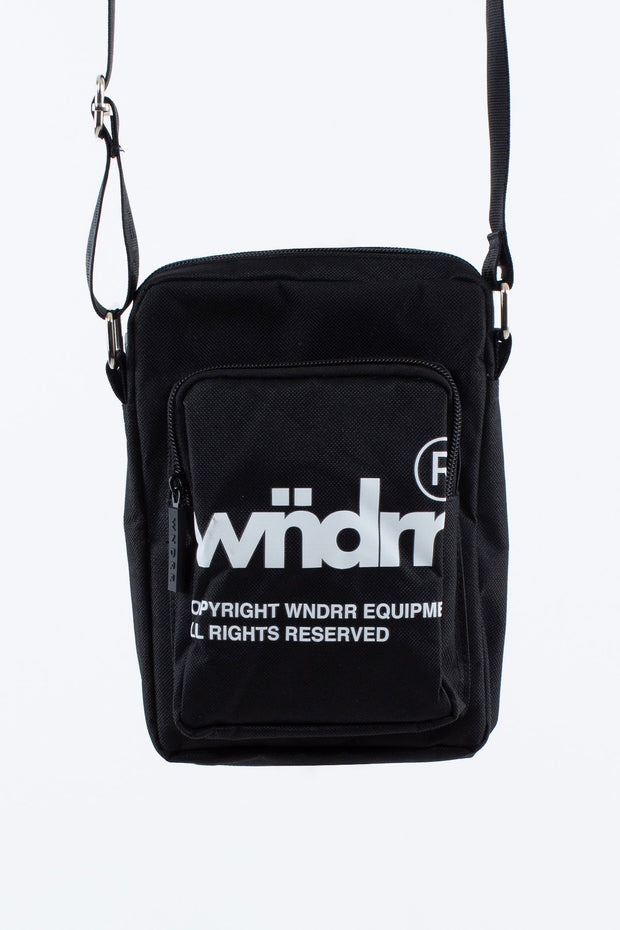 1-W20DG001BLK-Black-Bag-Offcut-side-Wndrr-Live-clothing