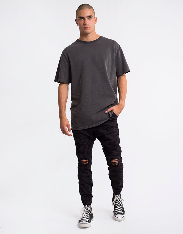 2_4090330.WBLK_wrecked-black_jean_Silent-Theory_Outlaw-blk-Pant-(r)