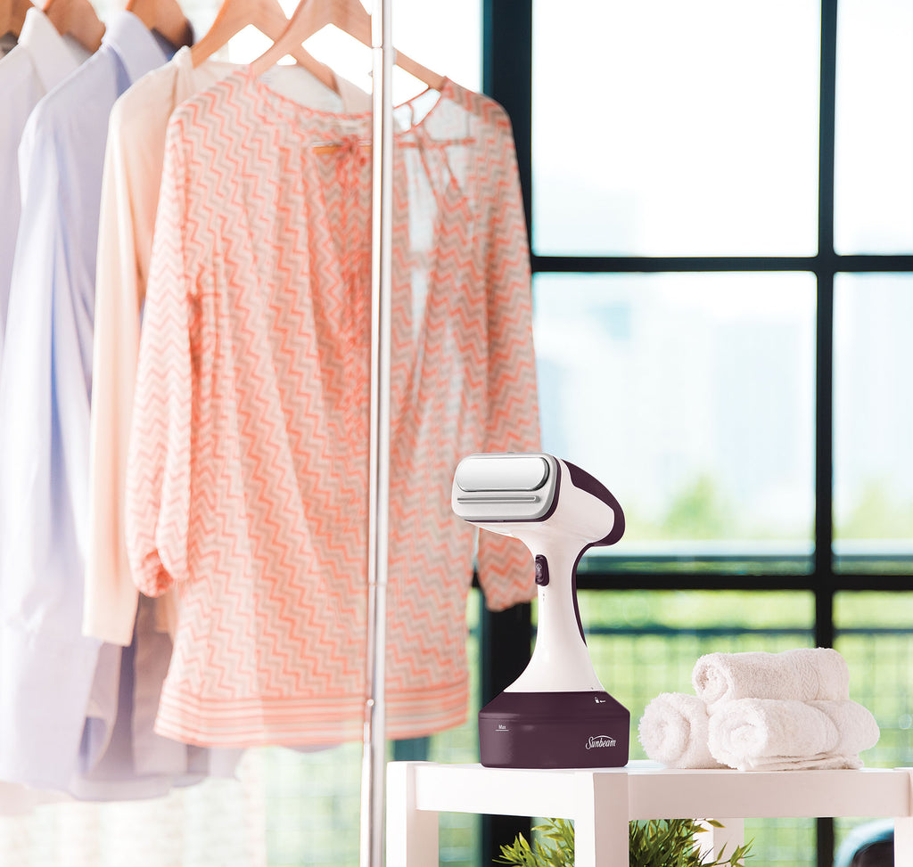 Sunbeam_SG1000_Power_Steam_Handheld_Garment_Steamer_7_S5MQXZ0U4GCU.jpg